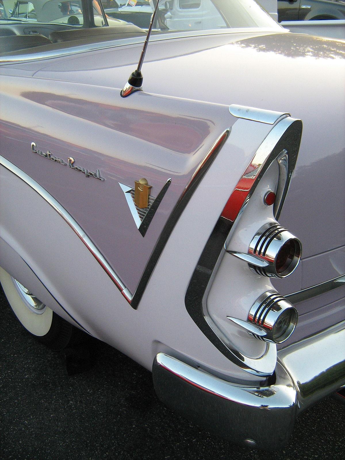 1200px-1956_Dodge_La_Femme_fenderR.jpg