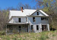 94940f025473e580a7e8e4dab3cf8e0e--bad-farm-house.jpg