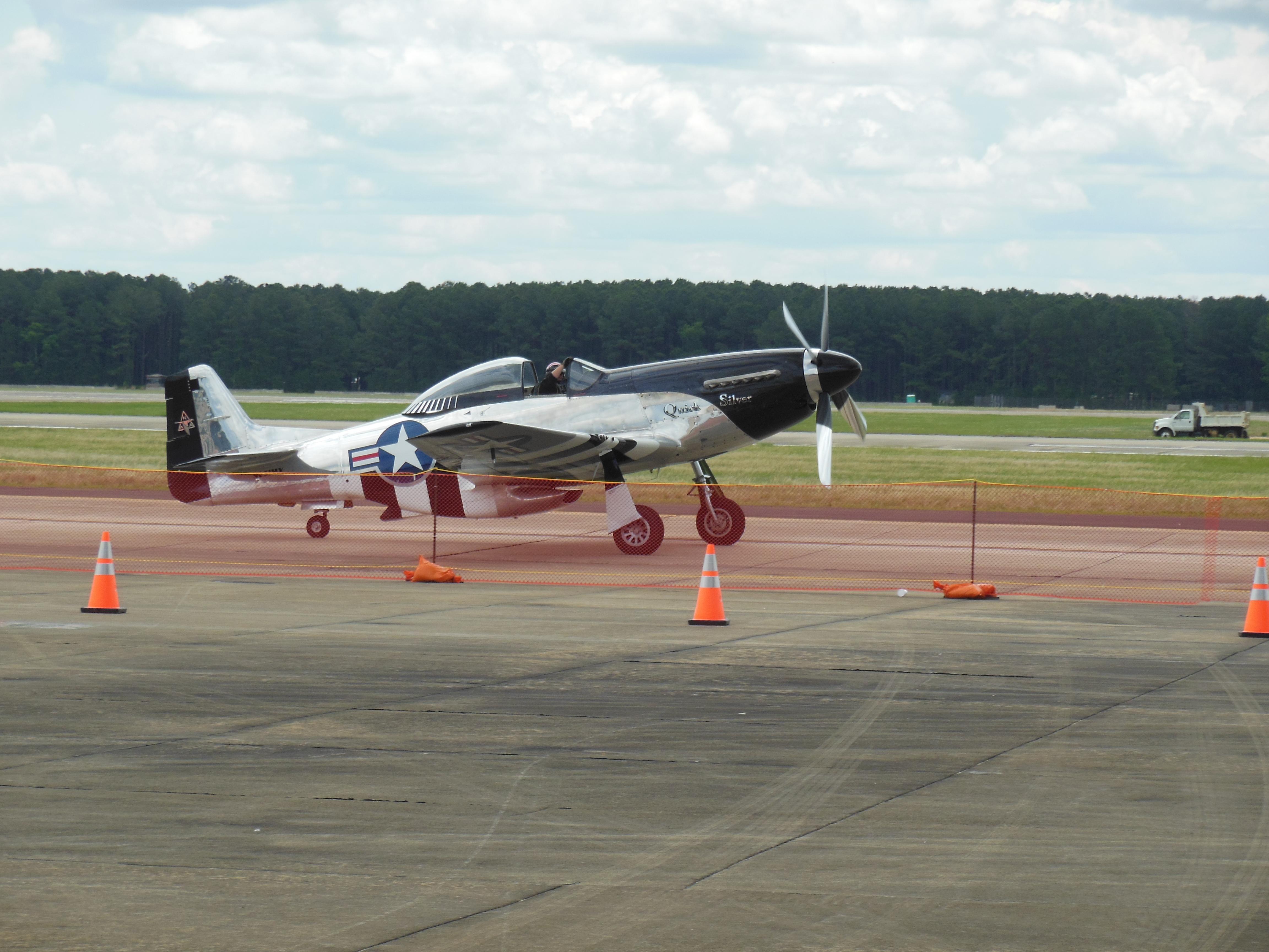 a old plane1.jpg