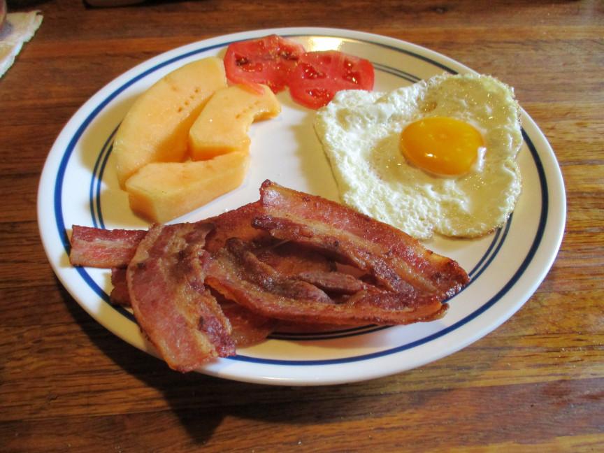 bacon eggs cant a (1)a.JPG