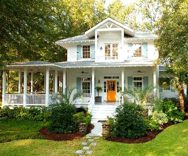 Colorful-Coastal-Cottage-in-BHG.jpg