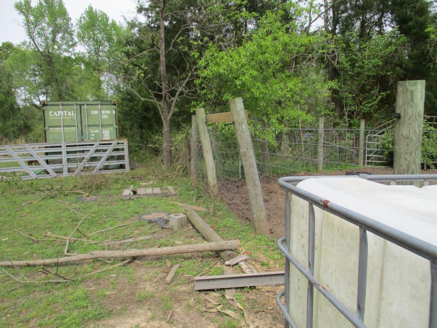 Corral fence (12) sm.JPG