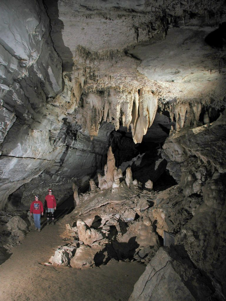 Mammoth-cave-stalagtites-768x1024.jpg